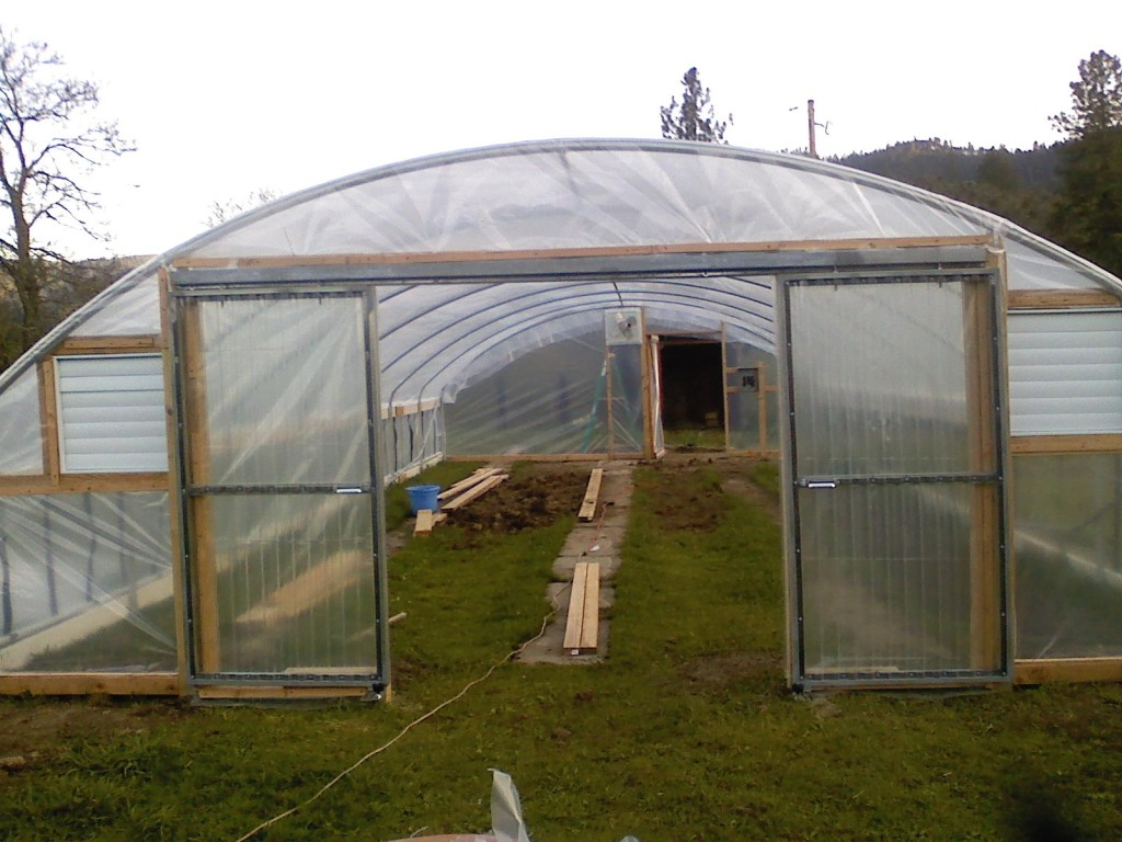 Greenhouse design for year round food production